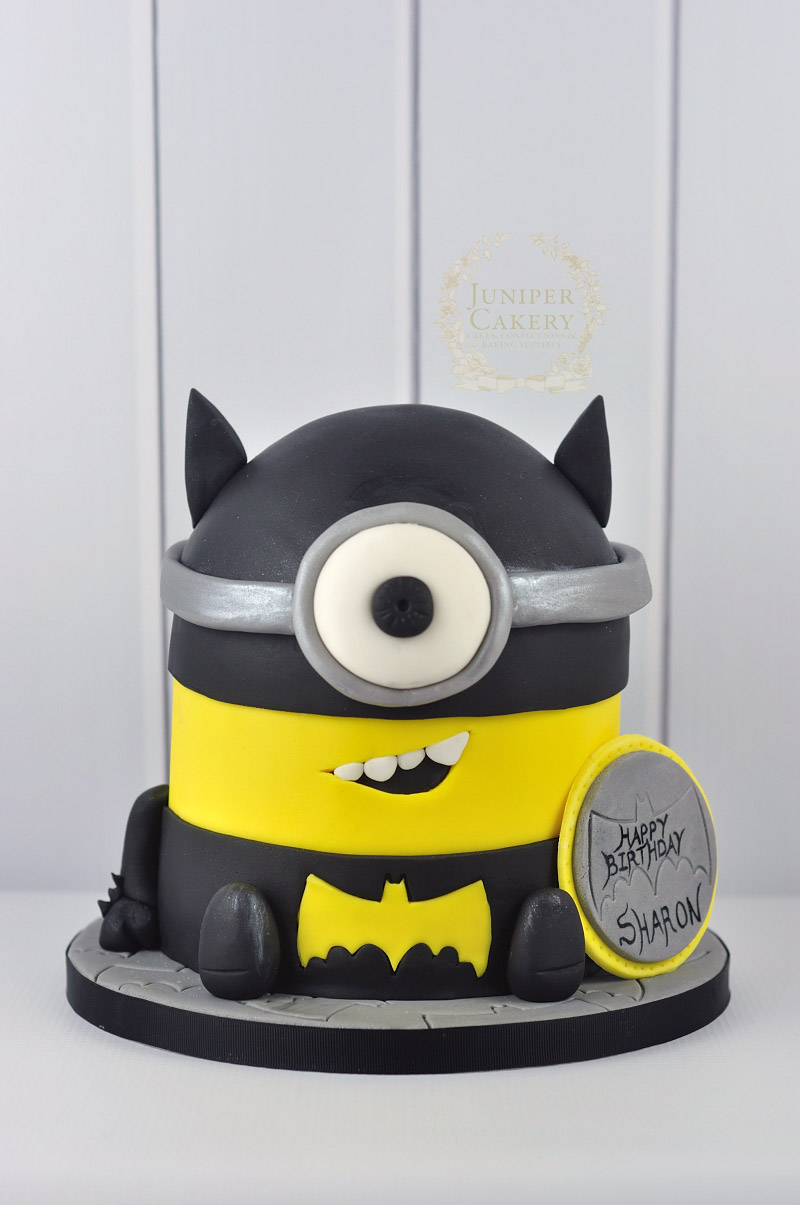 Minion Taart Batman Themed Minion Cake Juniper Cakery Bespoke Cakes In