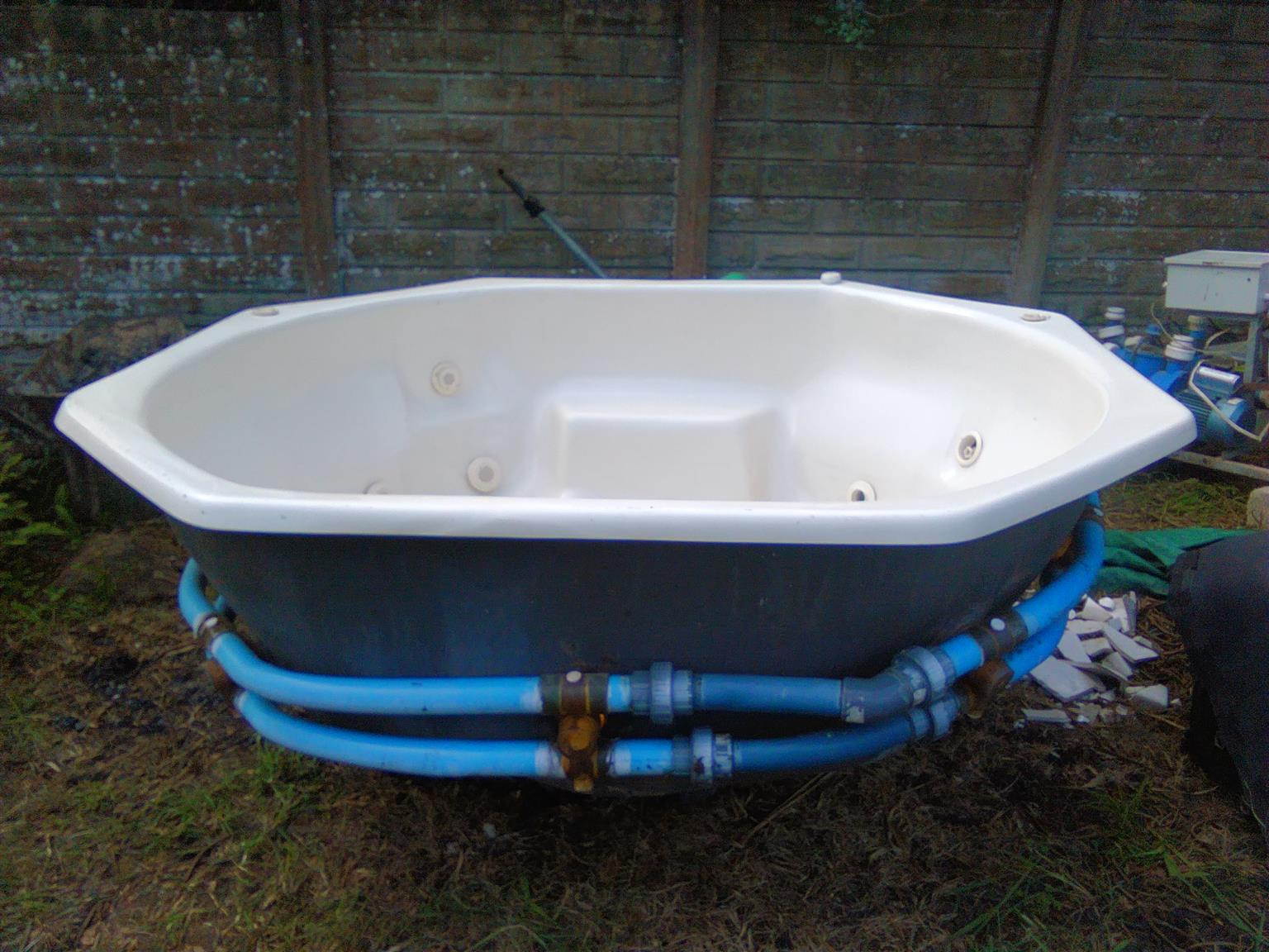Jacuzzi Whirlpool Whirlpool Jacuzzi 6 Seater Junk Mail