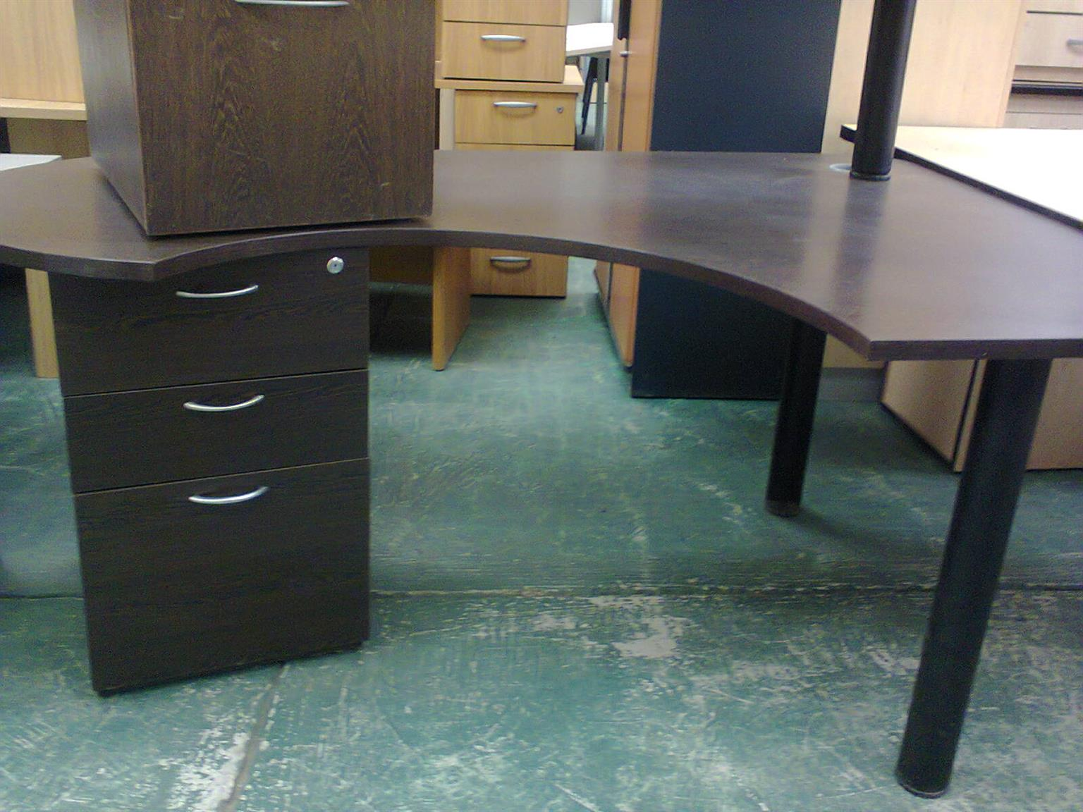 Office Furniture Used High Quality Low Low Prices Junk Mail - Low Desk