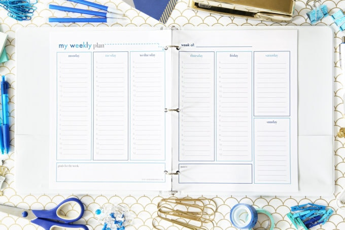Student Binder for Back-to-School (with Free Printables!) - college planner organization