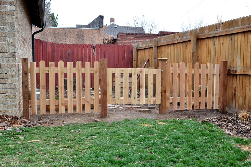 The cutest small garden fence small fencing for garden