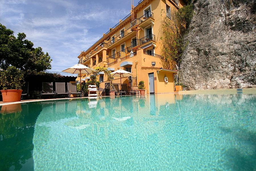 Hotel-la-Peruse-Nice-piscine or pool