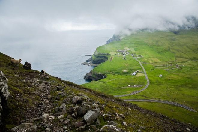 Gasadalur route sheep cairns-1 LR