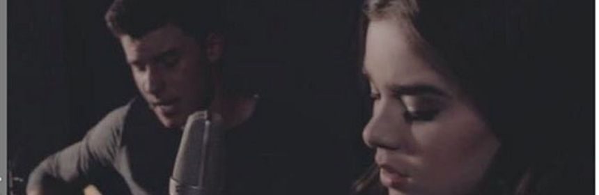 """Shawn Mendes & Hailee Steinfeld Perform """"Stitches"""" Acoustic Version"""