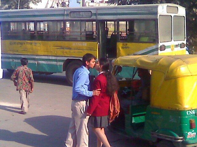 kissing at road in india