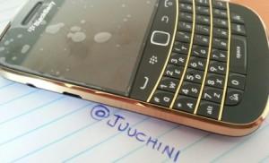 Golden BlackBerry 9900 @juuchini