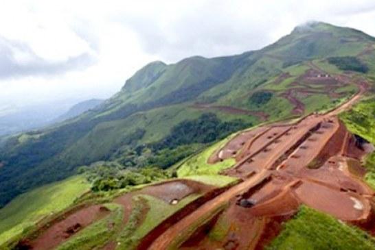 Pourquoi la Guinée n'exploite pas le plus grand gisement de fer au monde