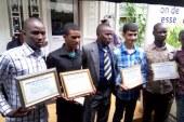 BAC 2016 : le Conseil des Patriotes Guinéens récompense les cinq meilleurs élèves