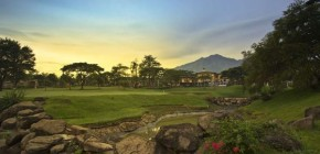 Menikmati Taman Dayu Golf Club and Resort di Pasuruan