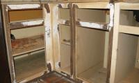 Kitchen or Bathroom Cabinets: Refacing vs. Replacing