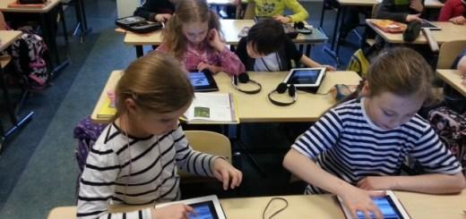 Õpilased kasutamas iPade Gustav Adolfi Gümnaasiumis