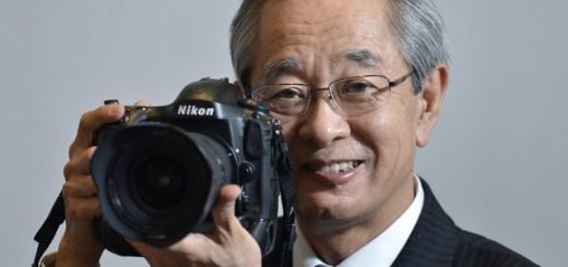 Makoto Kimura hoidmas Nikon D4 peegelkaamerat
