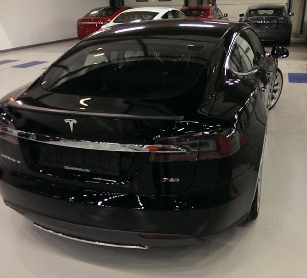 Model S lai 2
