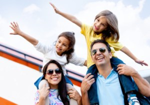 family-traveling1-400x280