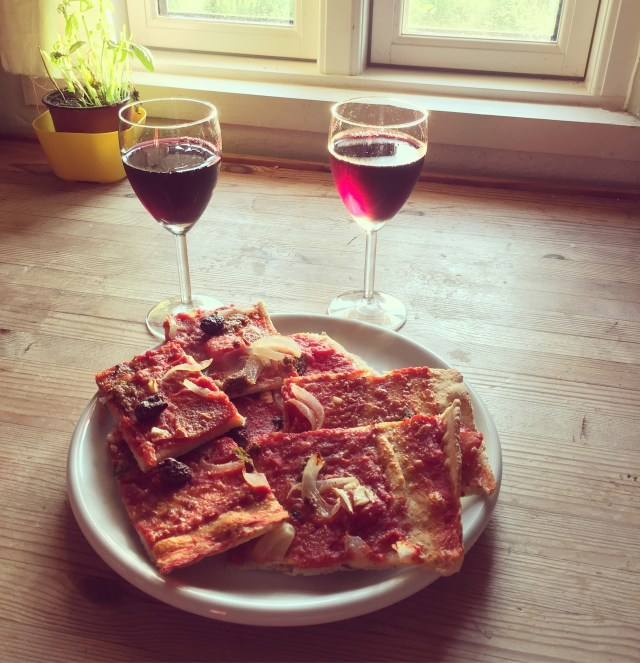 Langtidshævet pizzadej