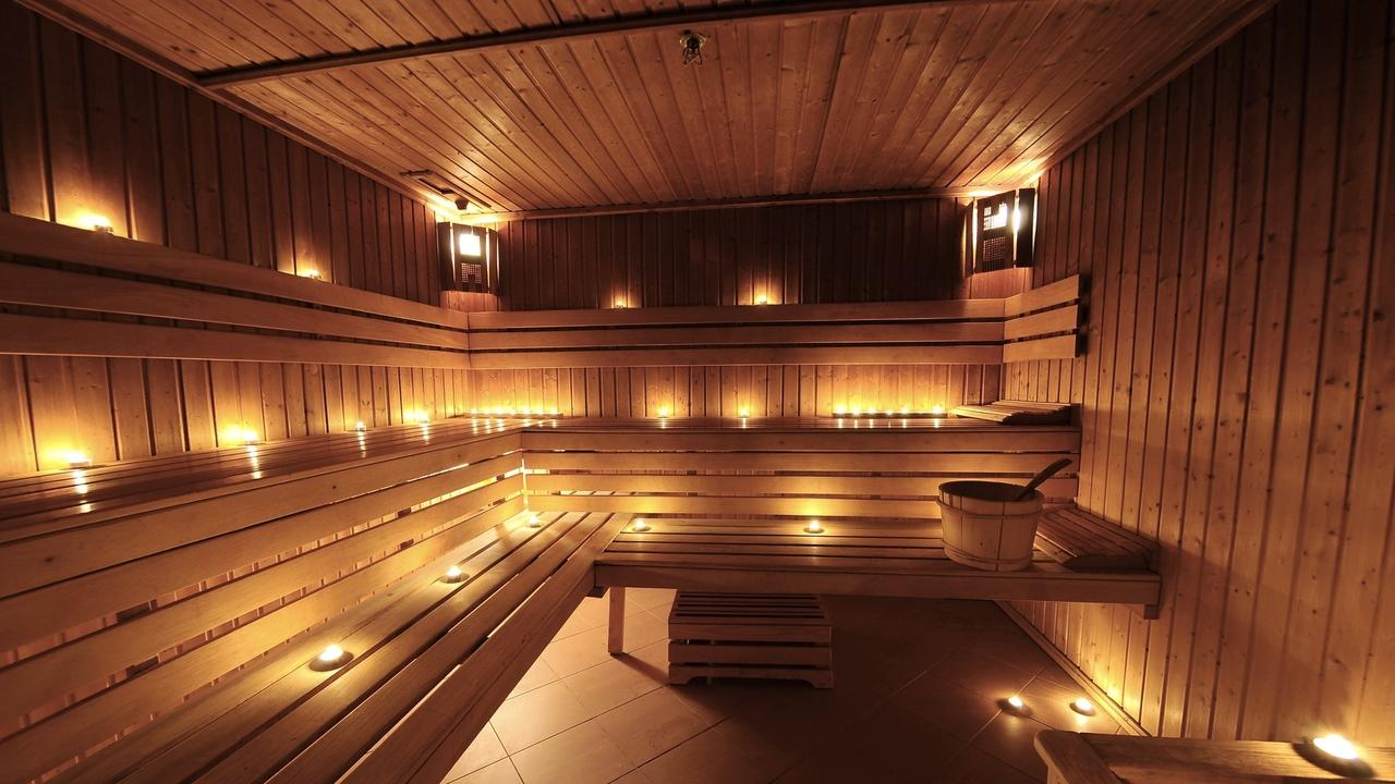18 Reasons Why You Need To Use A Sauna