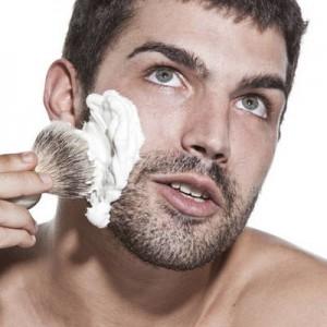 Как правильно брить лезвиями чувствительную кожу?