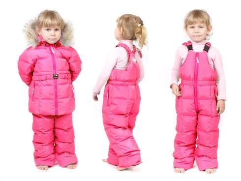 Ребенку неудобно ходить в зимнем комбинезоне