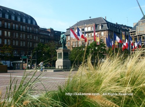 Square in Strasbourg city center. France, Strasbourg, Photo by kaka