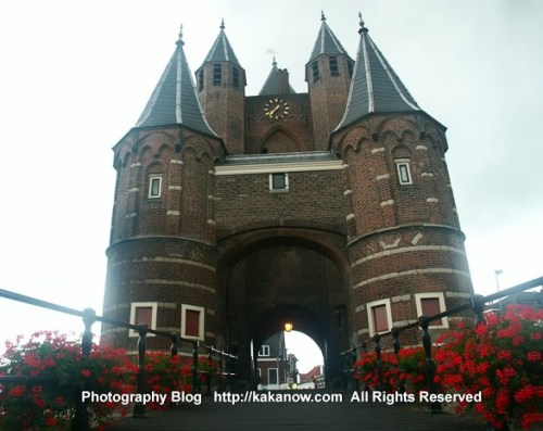 The Netherlands car drive. Holland castle Bridge. Photo by KaKa.