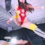 仁美まどかと吉田花のセクシーすぎる女子プロレスは団体対抗戦!