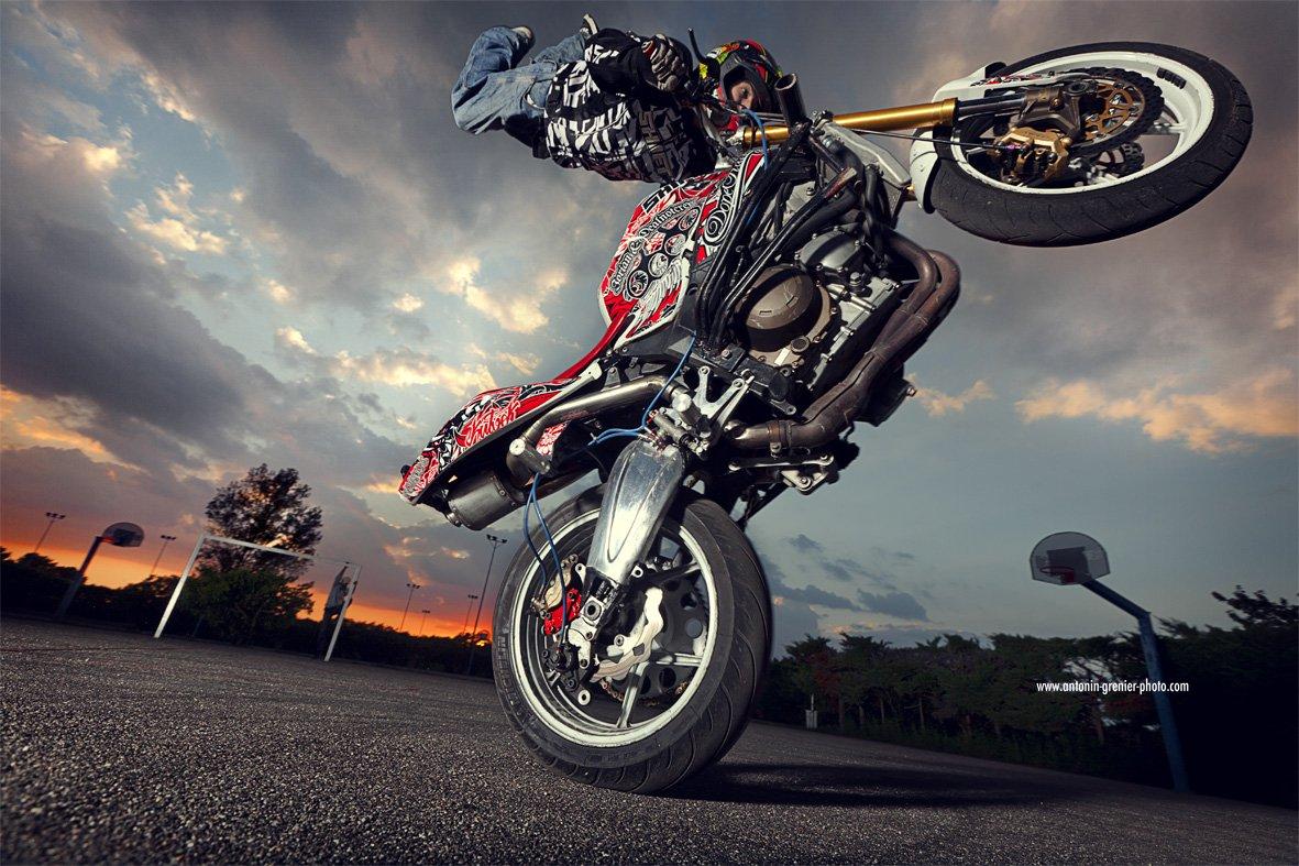 3d Wallpaper Motorcycle Wheelies Kamigas 187 Jackygas