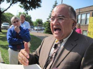 Charlie Feliciano, a clevelandi egyházmegye egykori jogi tanácsadója, pert indit a püspökség ellen