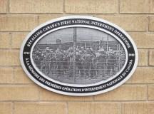 A kelet európai internáltak egyik emléktáblája Montreálban.