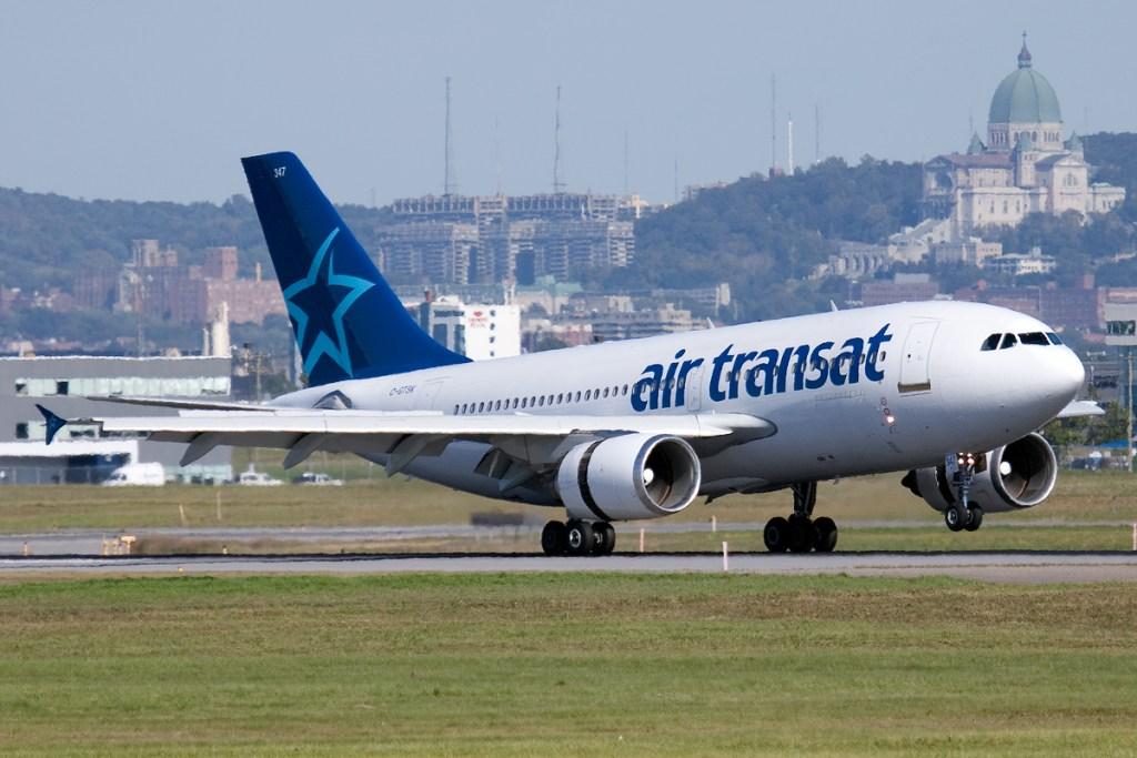 Egy Air Transat A310-es gép felszáll a montreáli Trudeau repülőtérről.