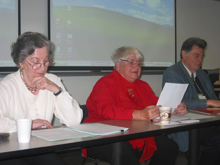 Fotó egy korábbi Kanadai Magyarságtudományi konferenciáról. A fotó jobboldalán látható a a szervezet alapítója, Bisztray György, aki azóta sajnos elhunyt.