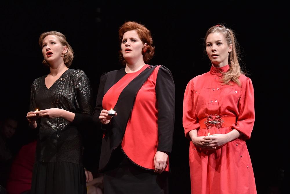Három nővér az Örkény Színházban