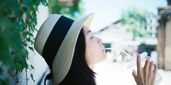 薄毛-対策-女性-予防-薬-口コミ-育毛剤-髪