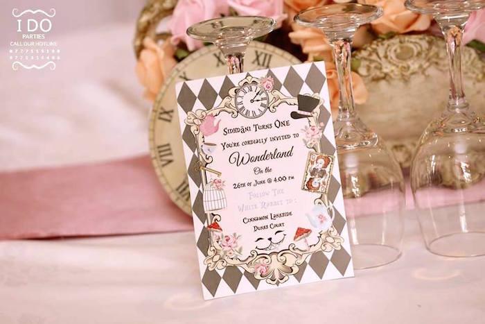 Kara39s Party Ideas Vintage Alice In Wonderland Birthday
