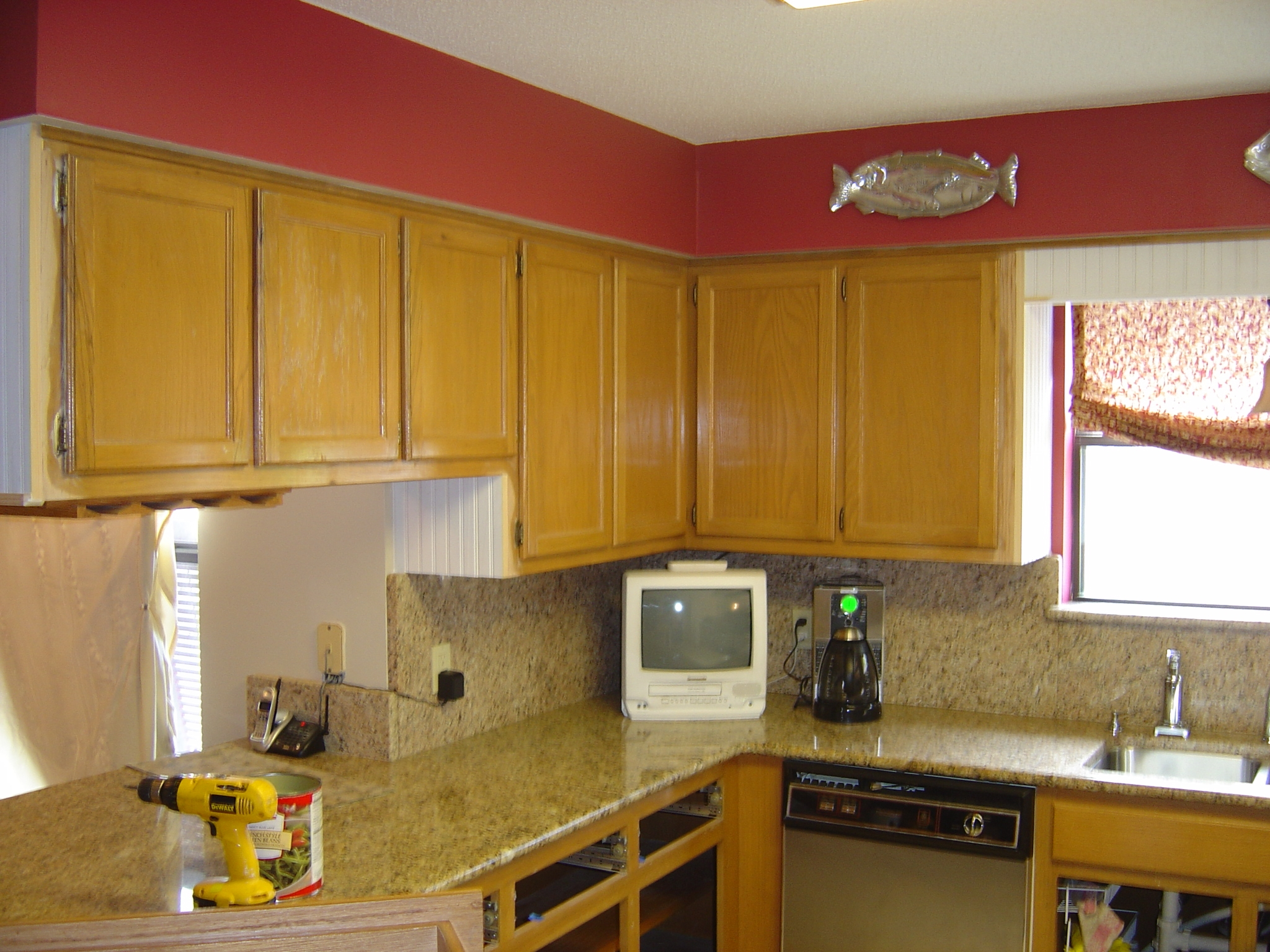 Red Kitchens With Oak Cabinets Red Oak Cabinets Kitchen Red Kitchens With Oak Cabinets