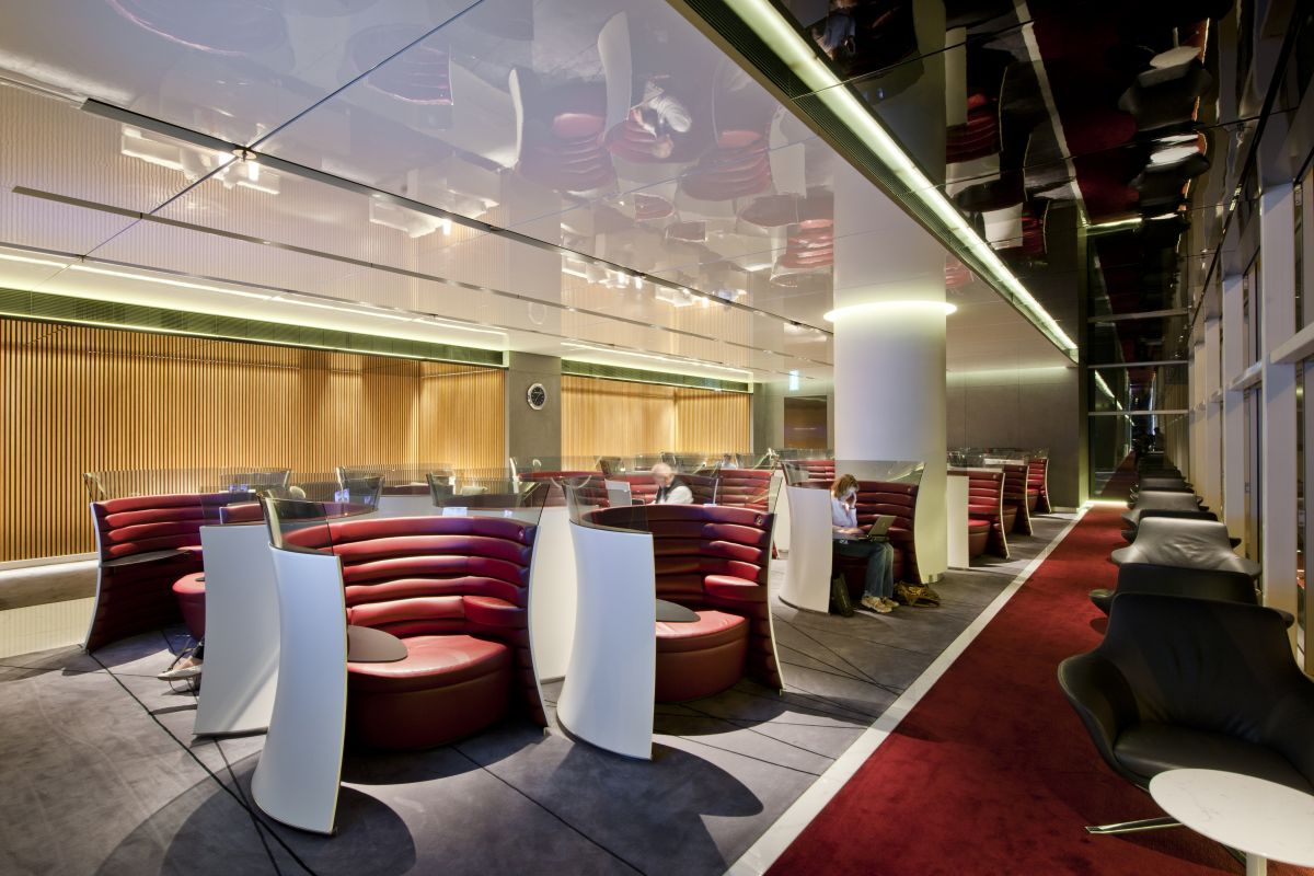 Design Lounge Buiten New Cathay Pacific Airport Lounge By Foster 43 Partners