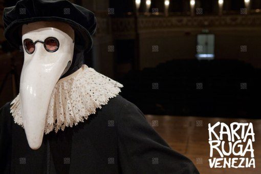 The dark side of carnival: the Doctor of the Plague mask