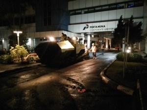 Pengaspalan Hotmix Pertamina Jakarta, jasa pengaspalan, jasa kontraktor pengaspalan hotmix, aspal hotmix, betonisasi