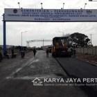 Pengaspalan Pelapuhan Bandar Bakau Jaya Bojonegara