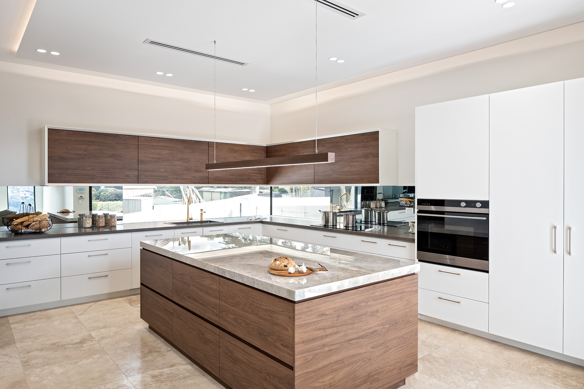 Best Modern Kitchen Designs Luxury Kitchen Renovations Cabinetry Huge Kitchen Showroom Kitchen Designers Indoor And Outdoor Alfresco Kitchens 30 Mins From Sydney Cbd