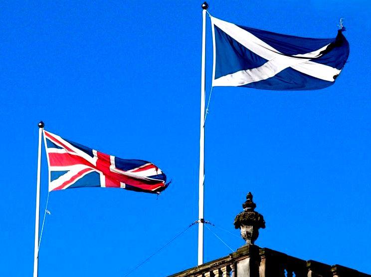 স্কটল্যান্ডের গণভোট বদলে দিয়েছে ব্রিটিশ রাজনীতি