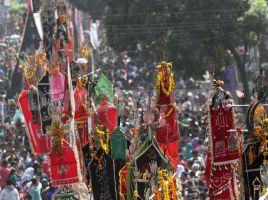 1415143126-shia-muslims-celebrate-ashura-in-bangladesh_6179525