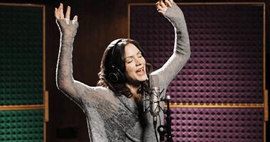 "Katharine McPhee's Upcoming ""Fun, Sophisticated"" New Album"