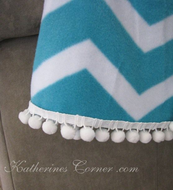 pom pom trim throw
