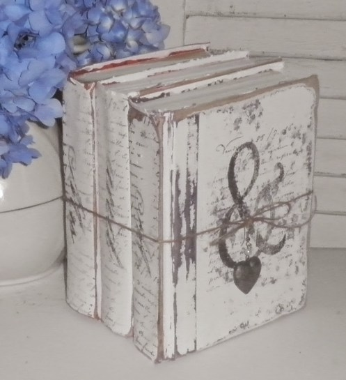painted books decor