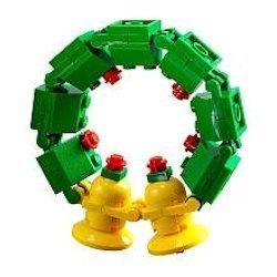 lego-wreath-ornament