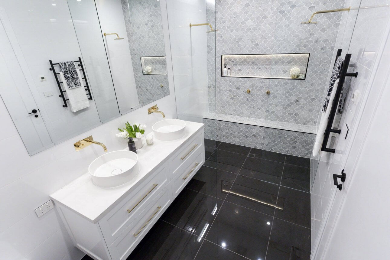 Sasha Chris Badkamer The Block 2016 Week 3 Main Bathroom Reveals