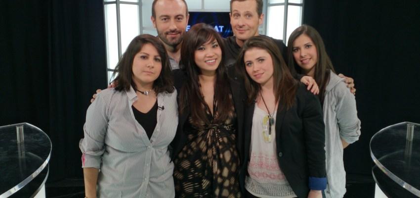 Marcus est heureux de se retrouver auprès d'autant de femmes dans une émission :D  De gauche à droite : Mitsu, Julien Brochet, Kayane, Marcus, Kythis et Killys