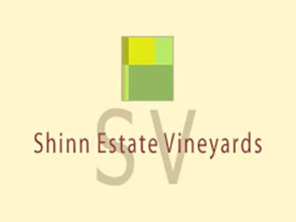 Shinn Estate Farmhouse Bed Shinn Estate Vineyards And Farmhouse United States New York
