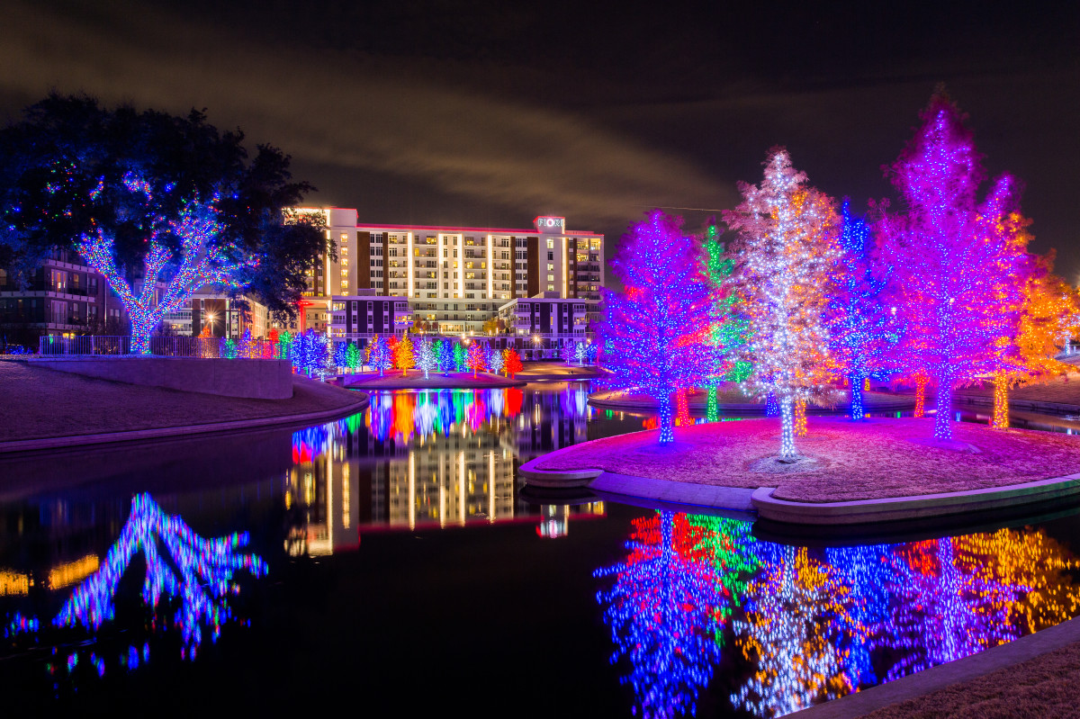 Best Place For Christmas Decorations Read Now The Top Christmas Light Displays In North Texas 90 9