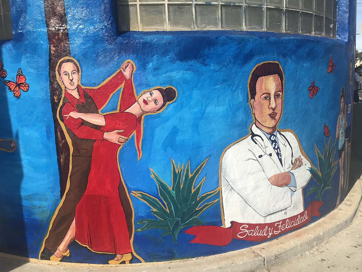 Arte Chicano Murals Altamed Enriches The Lives Of Its Patients Through Art Kcet